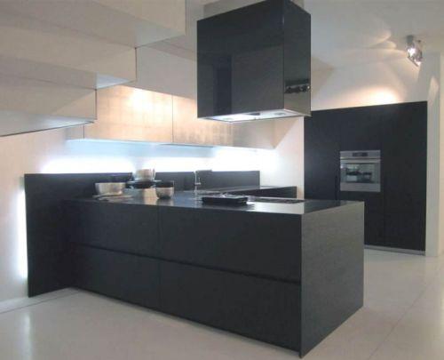 Eiland afzuigkappen boven de keuken  Design Keukens