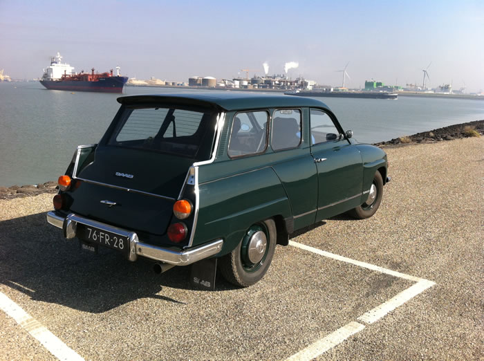 Inmiddels hebben we de velgen van de Saab ook in de kleur van de auto.